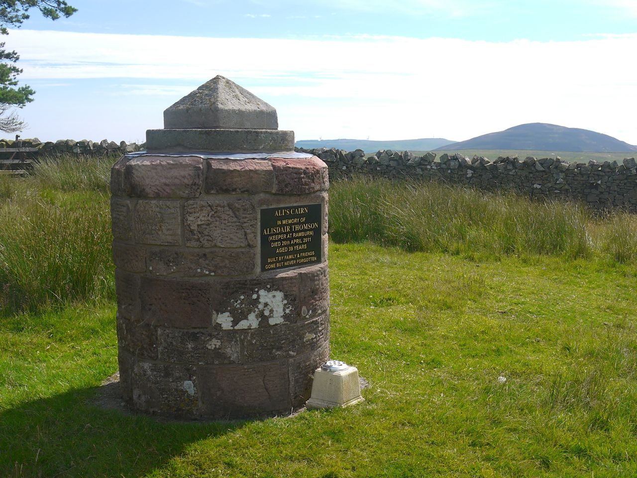 Ali's Cairn, Great Dirrington and Cheviot in the background