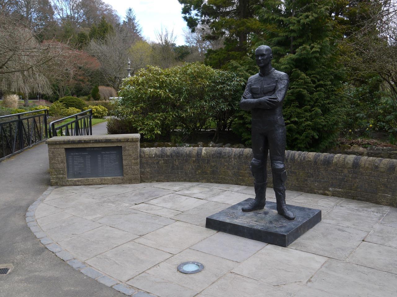 Steve Hislop's statute
