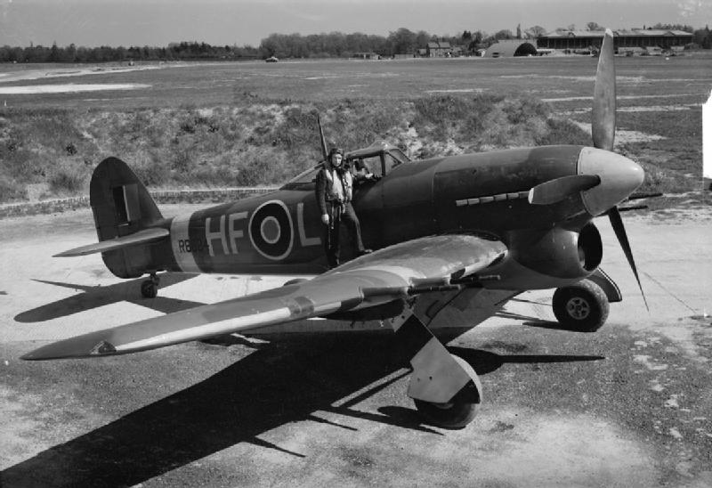 aircraft_of_the_royal_air_force_1939-1945-_hawker_typhoon-_ch9289