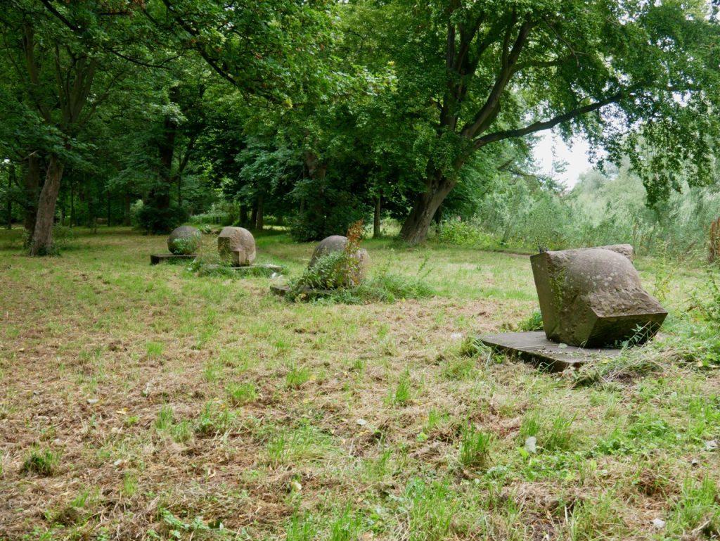 Eden Statues